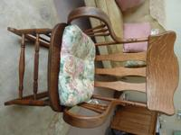 OLD ANTIQUE OAK ROCKING CHAIR.  In Great original