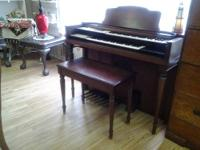 This antique Organ is in great shape and comes with the