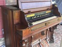 Beautiful antique pump organ 1800 century- excellent
