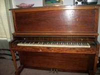 Antique piano in good condition. It is by Kohler and