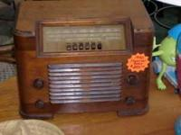 Description A Pricless Antique Radio that is a great