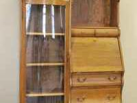 Very nice solid oak antique secretary/hutch, measures