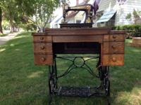 Antique sewing desk and Franklin sewing machine, good