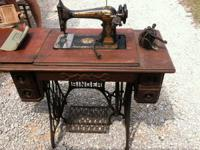 For sale this beautiful Antique Singer Sewing Machine