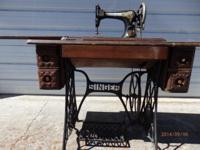 Antique Singer Treadle Sewing Machine. Cabinet not in