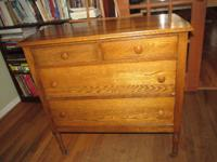 Antique chest of drawers. In great shape. The drawers