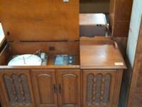 Antique Stereo with Turntable South Habitat ReStore