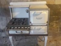 Estate Fresh Air Antique stove/oven. Good condition,