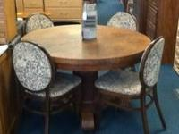 Antique Tiger Oak Round table with pedestal base and 4