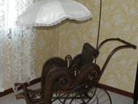 Antique victorian Wicker Baby Carriage/Pram with