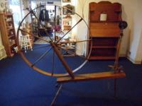 Beautiful antique walking wheel in great shape and