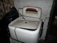 Antique Wringer Washing Machine.  It works, please see