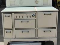 This is a pristine, working 1930s-era 6-Burner,