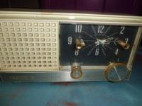 Grandfather clock, in excellent condition, works like