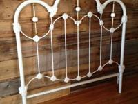 Antique Wrought Iron bed frame white - complete size