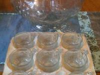 "Antique ""Glassware by Jeannette"" 18-piece punch bowl"