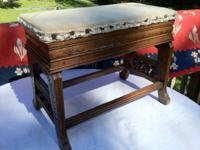I am selling this great Oak Eastlake style bench that I
