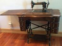 Early 1900's Antique Singer Sewing Machine In working