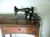 Antique Singer Sewing Machine, Model/Class 99K, Made