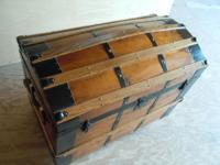 1 restored and customized steamer trunk, measures