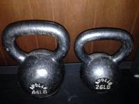 I have a pair of Apollo kettlebells available.