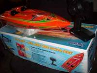 "got a 24"" Aquacraft boat electric , new motor and"
