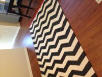5x8 area rug, 100% cotton, hand made. Feels more like