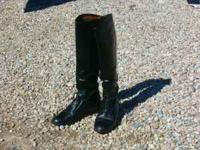 Womens size 9 extra tall, Ariat field boots. Hardley