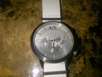 BRAND NEW; WITH WHITE LEATHER STRAP.  // //]]>