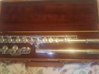 Artley silver plated flute. In great condition, great