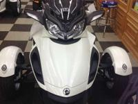 WEEKEND SPECIAL! PRICE REDUCED! New 2014 Can-Am Spyder
