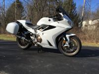 Putting my 2014 Pearl White VFR800FD Deluxe Interceptor