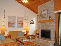 This true townhouse in the Aspens features a great