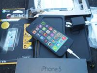 Black Iphone 5 64GB , great shape, lifeproof case ,