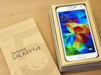 AT&T Samsung Galaxy S5, with all its accessories that