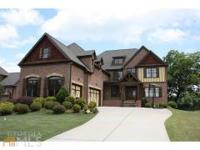 Gorgeous Home With 7 Bedrooms & 5.5 Bathrooms!! Main