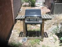 8-year-old AUSSIE Charcoal Grill. Grill needs a