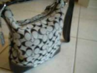 AUTHENTIC COACH PURSE.....REAL.....In GREAT shape Wife