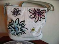 Authentic Coach shoulder bag in white signature with
