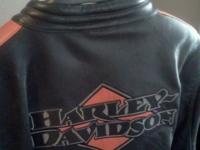 AUTHENTIC LEATHER HARLEY DAVIDSON JACKET. Pd $400
