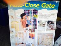 UP FOR SALE I AUTO CLOSE GATE FOR PETS OR CHILDREN IN