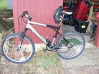 Avalanche 3.0 GT mountain bike. See the pictures. If