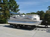 2011 Like new 19' Avalon Pontoon 90 hp Evinrude E-tech