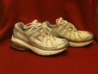 Excellent condition Avia sneakers. Gray and pink. Size