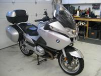 Awesome 2007 R1200RT. It has many options including