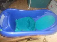 Baby Bathtub. Good Condition. has a drain in the