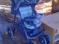 Great little baby stroller. nothing is broken and in