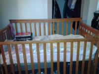 Big baby crib with dyper changer,and 3drwer,princes