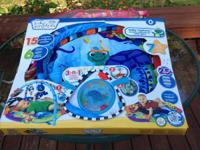 Play mat in excellent used condition.  Musical crib
