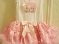 My daugther wore this Popatu Cupcake dress last summer